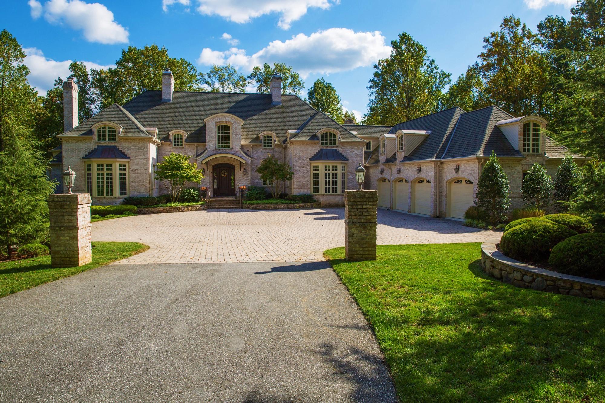 Delightful Luxury Home Magazine