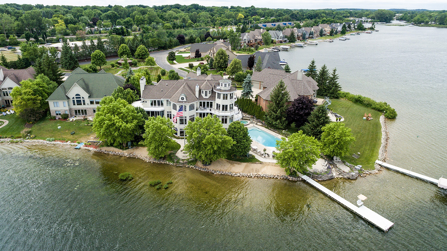 Gorgeous lakefront, sandy beach and panoramic views from nearly every room.
